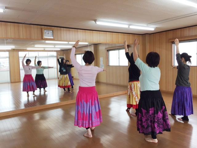 フラダンス教室 Na Mea Makamae(ナ メア マカマエ)